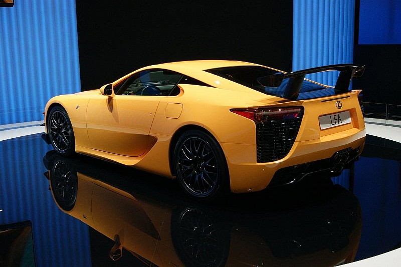 Lexus pays tribute to the LFA [video]