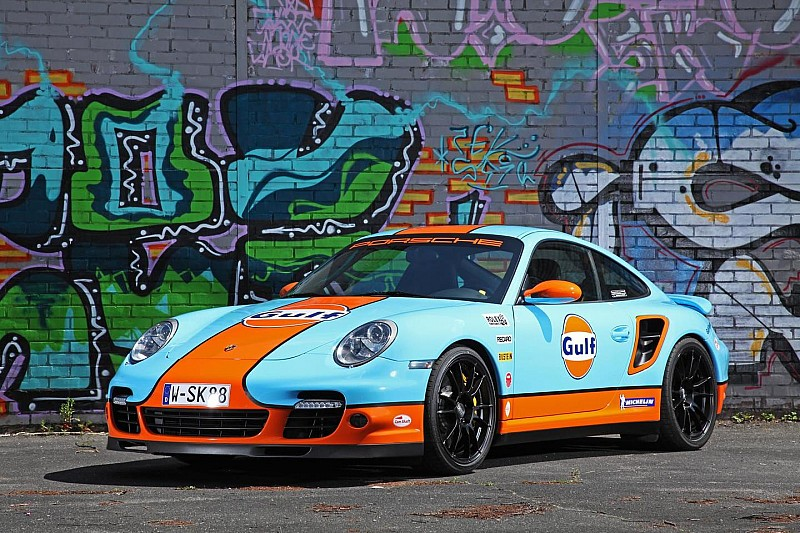 Porsche 997 Turbo receives Gulf wrapping from Cam Shaft