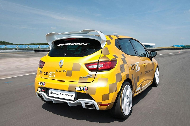 2014 Renault Clio Cup gets detailed