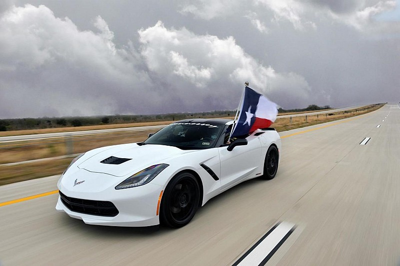 2014 Chevrolet Corvette Stingray by Hennessey hits 200 mph in Texas [video]