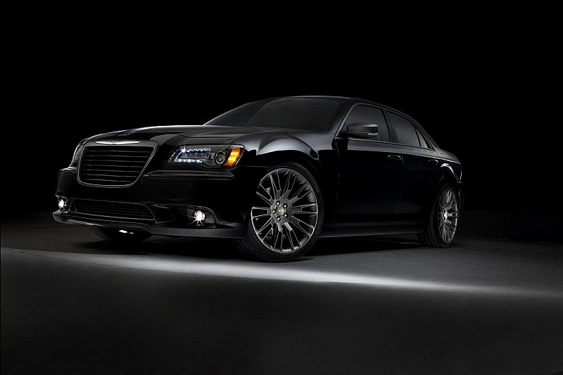 2014 Chrysler 300C John Varvatos limited edition revealed