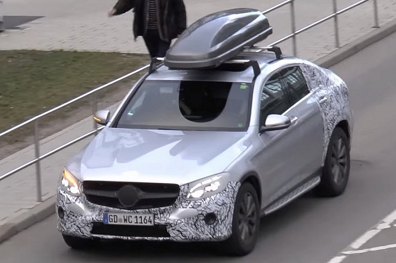 Mercedes glc coupe spotted with roof storage box on top for Mercedes benz roof box 400