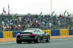 Audi runs R8 e-Tron prototype at 24 Hours of Le Mans 14.06.2010
