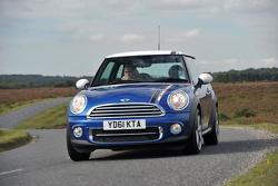 2012 MINI Cooper London Edition - 28.9.2011