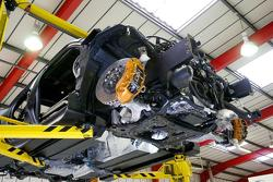Nissan Juke-R engine installation 26.10.2011