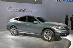 2013 Honda Crosstour concept live in New York 04.04.2012