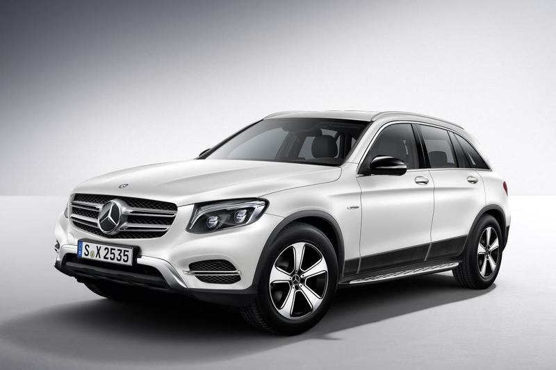 Mercedes benz glc f cell hydrogen vehicle announced for for Mercedes benz official accessories
