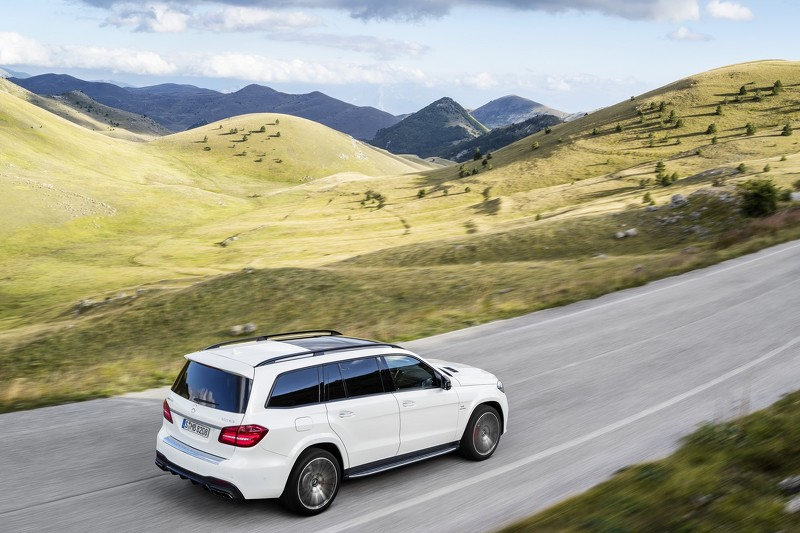 Mercedes benz gls pricing announced uk for Mercedes benz mbrace cost